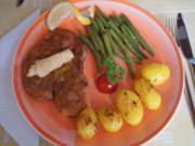 Panierte Lummer-Koteletts mit Buschbohnen und Drillingen - Rezept - Bild Nr. 2