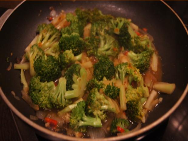 Scharf, herzhaftes Omelett mit Brokkoli - Rezept - Bild Nr. 5