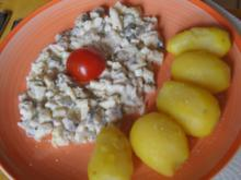 Apfel-Matjesfilet-Salat mit Pellkartoffeln - Rezept - Bild Nr. 2
