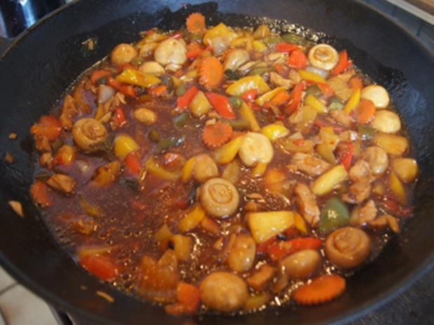 Putenbrustfilet mit Gemüse süß-sauer im Wok und gelber Basmatireis - Rezept - Bild Nr. 35