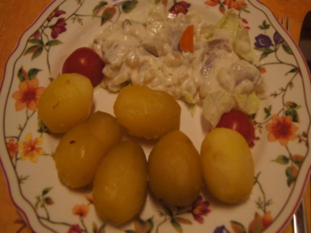 Weißer Heringssalat mit Pellkartoffeln - Rezept - Bild Nr. 12
