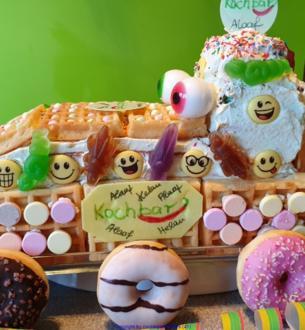 """""""De Zoch kütt"""" Karnevalistische Torte = kochbar Challenge 2.0 (Februar 2020) - Rezept - Bild Nr. 9869"""