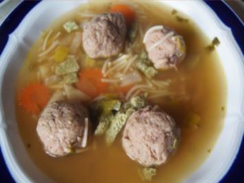 Rindfleischsuppe mit Gemüse, Eierstich, Leberknödel und Nudeln - Rezept - Bild Nr. 2