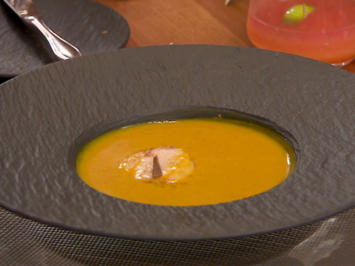 Kürbissuppe mit gebratenen Jakobsmuscheln - Rezept - Bild Nr. 2