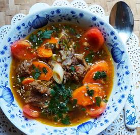 Balinesische, würzig-scharfe Rindfleischsuppe mit Gemüse - Rezept - Bild Nr. 2