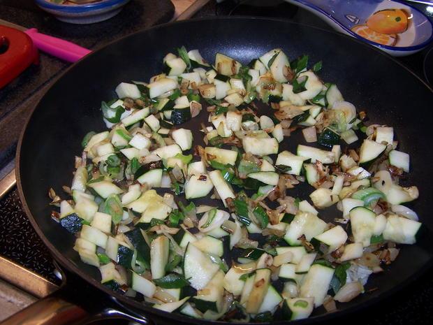 Lachs-Gemüse-Nudel Pfanne - Rezept - Bild Nr. 9941