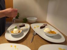 Schokokuchen und Joghurteis auf Orangenspiegel - Rezept - Bild Nr. 2