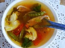 Deftig-würzige, koreanische Hühnersuppe mit Gemüse - Rezept - Bild Nr. 2