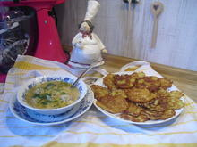 Hackfleischklößchen-Nudel-Suppe dazu Kartoffelpuffer - Rezept - Bild Nr. 10002