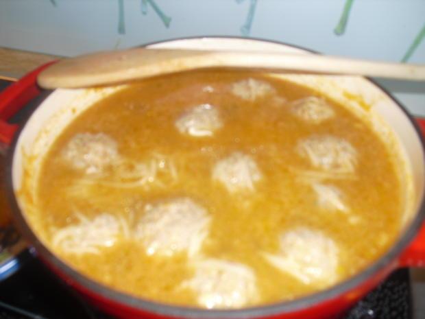 Hackfleischklößchen-Nudel-Suppe dazu Kartoffelpuffer - Rezept - Bild Nr. 10006