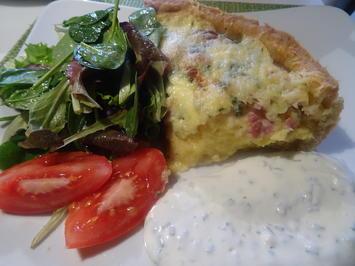 Kartoffel-Kuchen mit Schnittlauch-Dip und Beilagensalat - Rezept - Bild Nr. 2