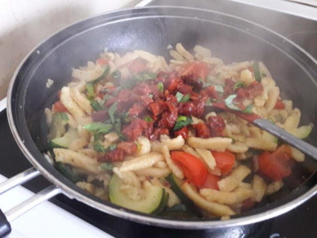 Gebratene Spätzle mit Zucchini - Rezept - Bild Nr. 10017