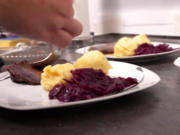Soorbrode mit Kartoffelknödeln un Kappes - Rezept - Bild Nr. 2