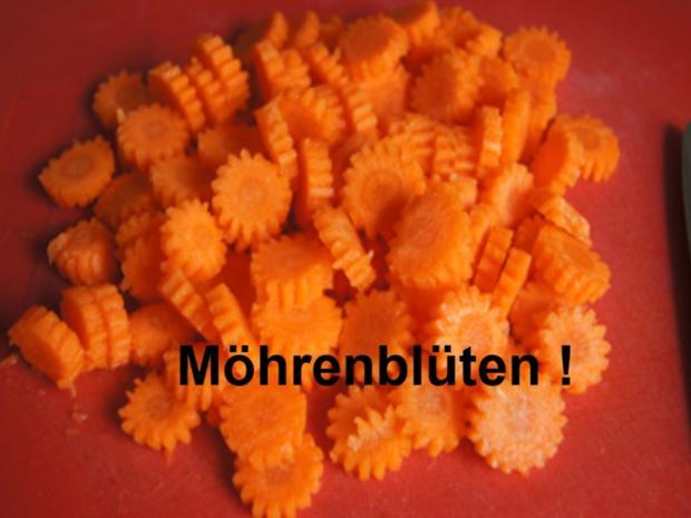 Suppe mit Hähnchenschenkel, Gemüse, Eierstich und Hörnchen Nudeln - Rezept - Bild Nr. 5