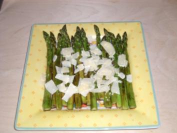 Rezept: Gegrillter Spargelsalat