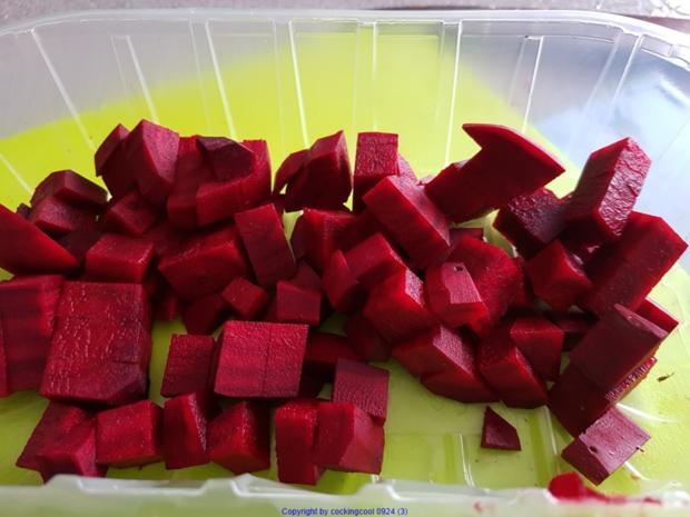 Puttespraline serviert auf Rote Bete Bohnensalat und Apfelchutney - Rezept - Bild Nr. 10033