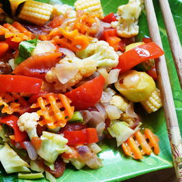 Pfannengerührter Babymais mit Paprika, Blumenkohl und Karotten - Rezept - Bild Nr. 2