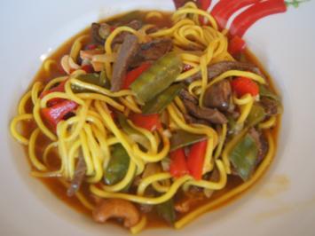 Rezept: Rindfleischcurry mit Gemüsemix und Mie-Nudeln
