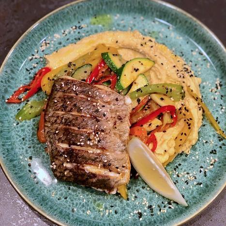 Barramundi Filet auf Hummus mit Ratatouille Gemüse - Rezept - Bild Nr. 2