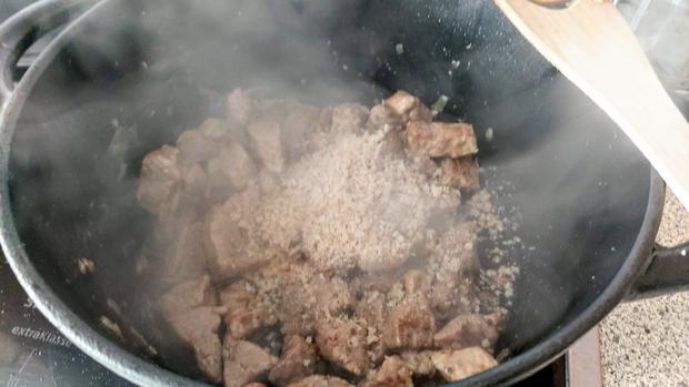 Schweinegulasch - Rezept - Bild Nr. 11
