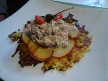 Matjes-Tartar auf Kartoffel-Apfel-Taler - Rezept - Bild Nr. 10049