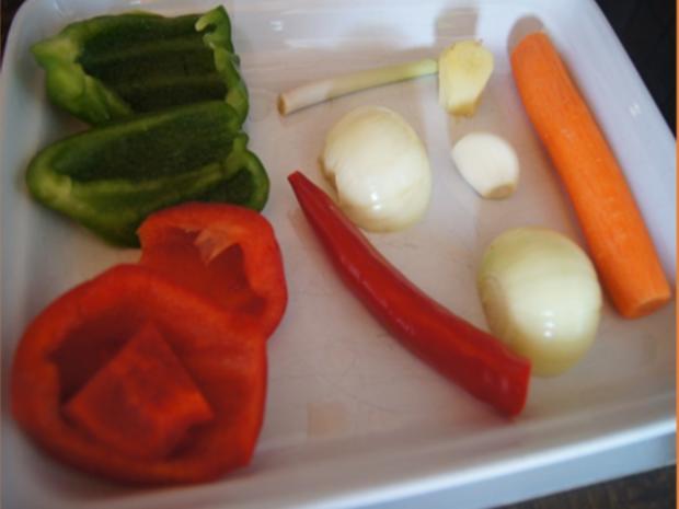 Gebratenes Hähnchenfleisch mit Mungoboh-nenkeimlingen und Gewürzreis - Rezept - Bild Nr. 11