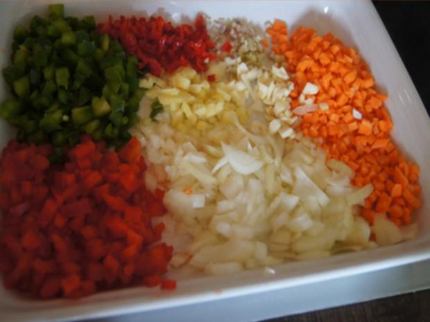 Gebratenes Hähnchenfleisch mit Mungoboh-nenkeimlingen und Gewürzreis - Rezept - Bild Nr. 12