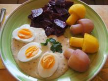 Gekochte Eier mit Senfsauce, Rote Bete Salat und Kartoffelpilzduo - Rezept - Bild Nr. 2