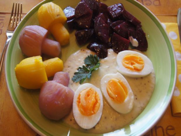 Gekochte Eier mit Senfsauce, Rote Bete Salat und Kartoffelpilzduo - Rezept - Bild Nr. 13