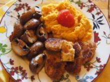 Knusprige Schweinefilet Schnitzelchen mit Champignons und Süßkartoffelstampf - Rezept - Bild Nr. 2