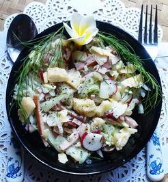 Schweizer Wurstsalat mit Käse und Radieschen - Rezept - Bild Nr. 2