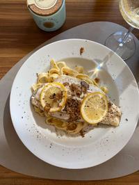 Barramundi mit Pasta in Trüffel-Weißwein-Sahne-Soße - Rezept - Bild Nr. 2