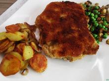 Gefülltes Schnitzel Kölsche Art mit Gemüse und Bratkartoffeln - Rezept - Bild Nr. 2