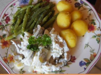 Matjesfiletsalat nach Hausfrauen-Art mit grünen Bohnen und Pellkartoffeln - Rezept - Bild Nr. 2