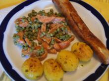 Käse-Bratwurst mit Möhren-Erbsen-Gemüse und Drillingen - Rezept - Bild Nr. 2