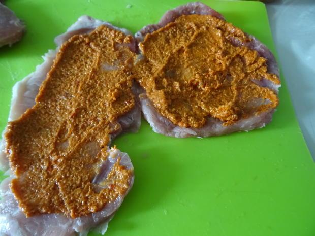 Involtini vom Schwein mit Gorgonzola-Soße und Spaghetti-Türmchen - Rezept - Bild Nr. 5