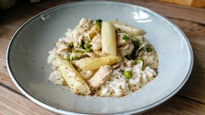 Rezept: Hühnerfrikassee mit weißem Spargel