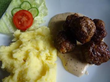 Köttbullar mit Kartoffelstampf - Rezept - Bild Nr. 2