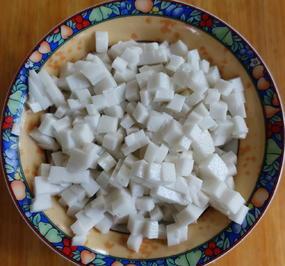 Rezept: Kokosmilchwürfel süß-sauer zum Garnieren