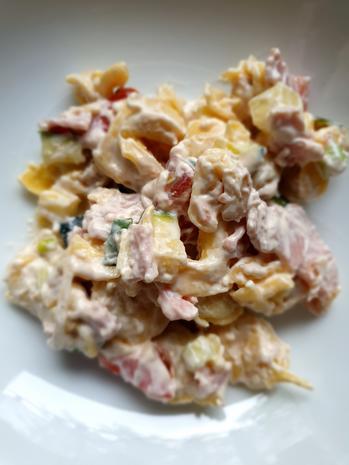 Tortellinisalat mit Zucchini und Schinken und Tomaten - Rezept - Bild Nr. 4