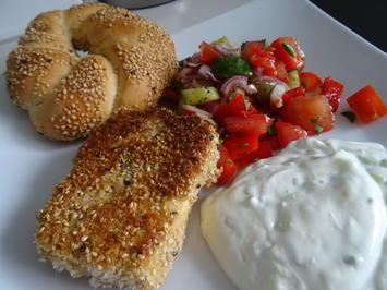 Feta, gebacken in Sesam-Kruste, mit griechischem Bauern-Salat - Rezept - Bild Nr. 2