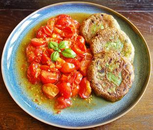 Kartoffel-Brokkoli-Nuss-Taler mit geschmolzenen Ofentomaten - Rezept - Bild Nr. 3