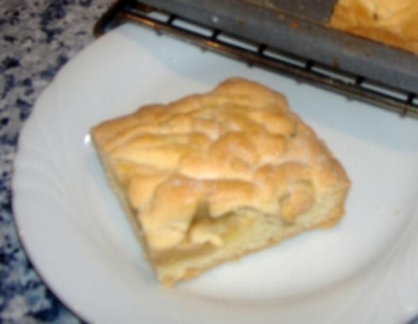 Gedeckter Apfelkuchen vom Blech - Rezept