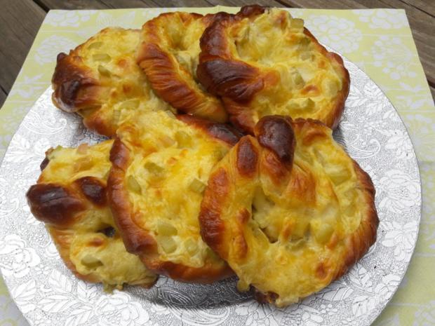 Mit Rhabarber gefüllte Puddingbrezeln - Rezept - Bild Nr. 3