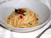 Spaghetti Aglio Olio e Peperocino - Rezept - Bild Nr. 2