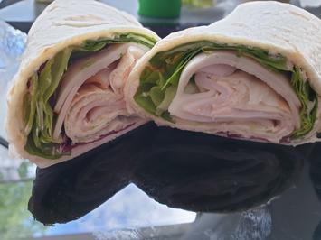 Wrap mit Hähnchen-Aufschnitt - Rezept - Bild Nr. 2