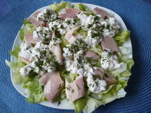 Salat mit Räucherfisch und Hausfrauendressing - Rezept - Bild Nr. 2