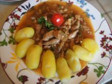 Schweinefilet süß-sauer mit Drillingen und Salat - Rezept - Bild Nr. 2