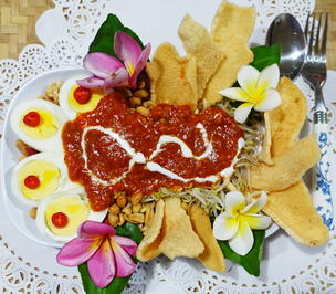 Hartgekochte Eier auf Balado Art mit Krabbenbrot - Rezept - Bild Nr. 2