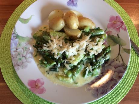 Spargelragout mit Parmesan - Rezept - Bild Nr. 2